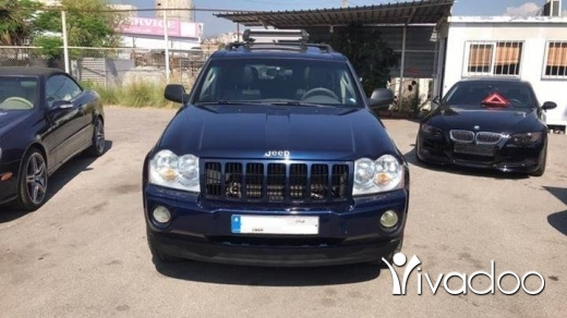 Jeep in Beirut City - Jeep Grand Cherokee 4x4 V6
