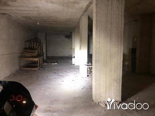 Apartments in Beirut City - مستودع للبيع