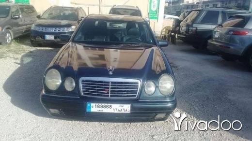 Mercedes-Benz in Port of Beirut - Mercedes 280 1997