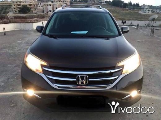 Honda in Beirut City - Crv ex 2013 black in black 4wd