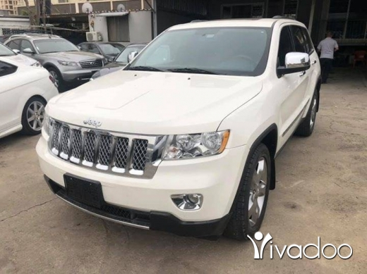 Jeep in Dbayeh - Grand cherokee laredo 2012