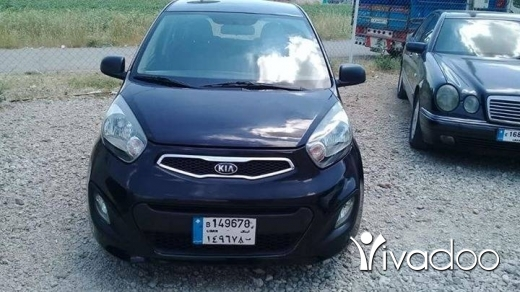 Kia in Port of Beirut - Kia picanto mfawali alb aswad