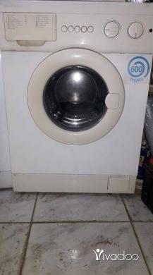 Washing Machines in Beirut City - غسالة كامبو ماتيك ايطالية مكفووولة