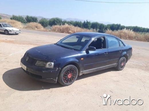 Volkswagen in Port of Beirut - غولف موديل ٩٩ مفوله فيتاس عادي