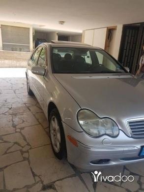 Mercedes-Benz in Sin el-Fil - Mercedes C-240 2003