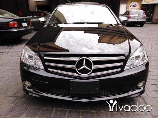 Mercedes-Benz in Dekouaneh - Mercedes C300 black