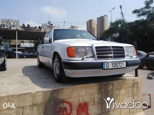 Mercedes-Benz in Tripoli - mercedes 300