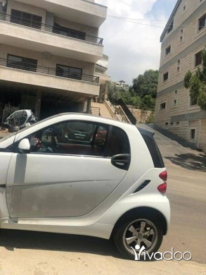 Other in Dbayeh - Smart fortwo 2012 white on red turbo super clean