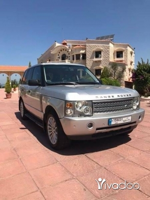 Rover in Aramoun - Range rover vogue new car doent need anything very clean great price 71/561000