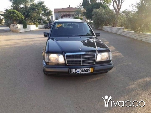 Mercedes-Benz in Zgharta - E220 model 1994 fat7a Ac abs asd kayen sherki
