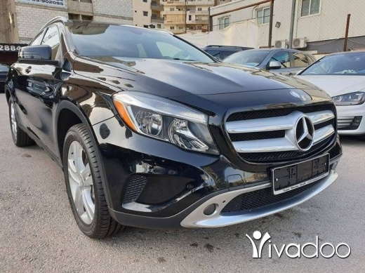 Mercedes-Benz in Port of Beirut - Clean carfax One owner 2015 GLA250 4Matic