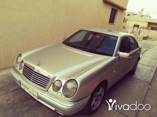 Mercedes-Benz in Tripoli - E320 1998 avant-garde
