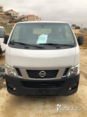 Vans in Chtaura - Van nissan 15 pessenger model 2013