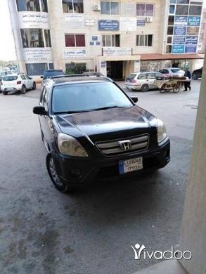 Honda in Haret Saida - هوندا سي أر في موديل ٢٠٠٦ بعدا على كيانها مصروف حلو كتير