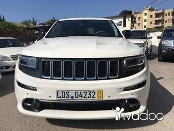 Jeep in Majd Laya - Cherokee hemi V8