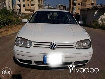 Volkswagen in Sad el-Baouchrieh - Golf 4