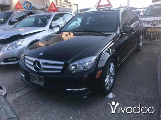 Mercedes-Benz in Safra - Mercedes benz C300 Model 2011 Black / Black Full option