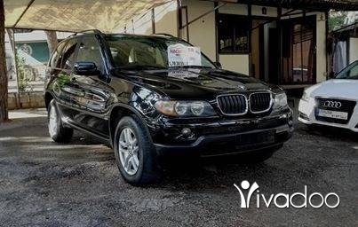 BMW in Sin el-Fil - X5 black/black V6 2004 panoramic