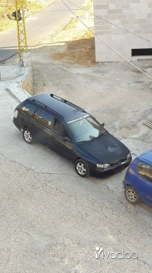 Toyota dans Jdeidet el-Chouf - سيارة تيوتا