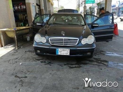 Mercedes-Benz in Nabatyeh - C230 2004 انقاض