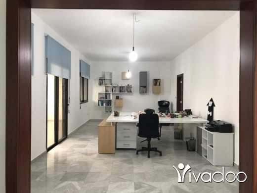 Office in Zalka -  A 152 m2 office with a terrace for rent in Zalka