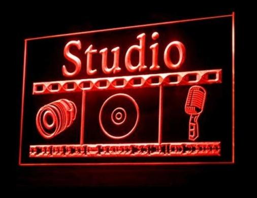 Media in Baabda - مطلوب معد ومقدم برامج فنية وثقافية ومعلق صوتي