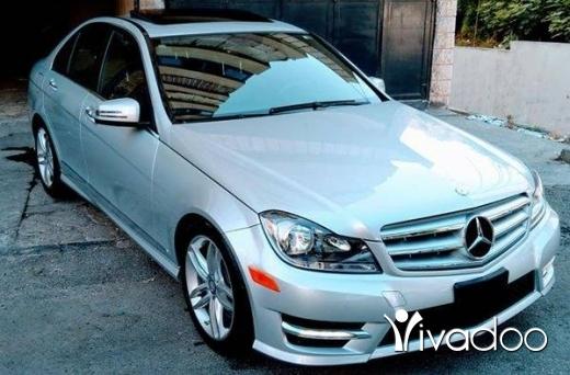 Mercedes-Benz in Haret Saida - C300 big screan camera bassmeh look AMG mod 2013 klm 50 alf