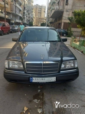 Mercedes-Benz in Tripoli - Mercedes C220 1995