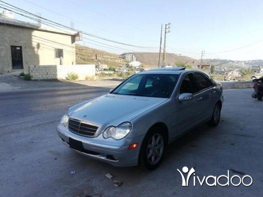 Mercedes-Benz in Nabatyeh - mercedes C.240.model 2003 fodi alb aswad sayara ktir ndife moter vites top contact 03237206