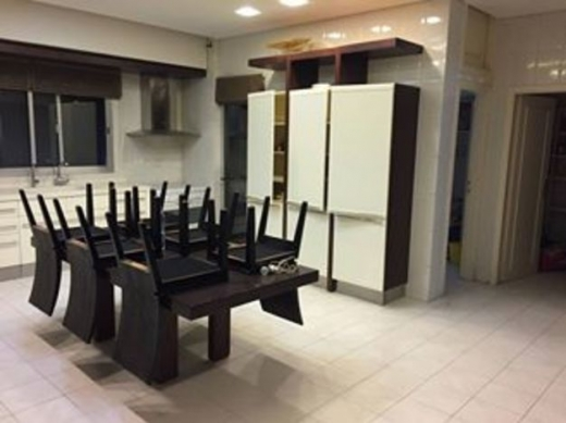 Apartments in Horsh Tabet - LUXURIOUS APARTMENT FOR SALE