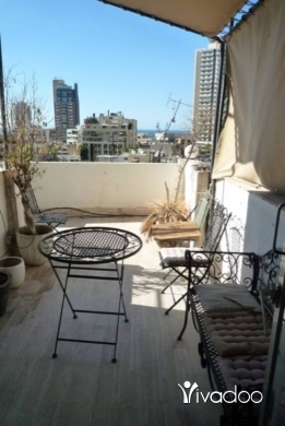 Apartments in Achrafieh - Apartment for rent in Achrafieh Furn el Hayek with 2 bedrooms + terrace