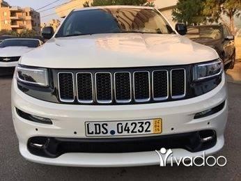 Jeep in Majd Laya - Cherokee over land V8