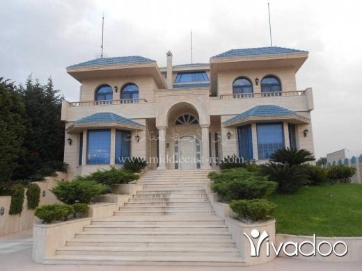 Villas in Bakhoun -  فيلا للبيع في  بخعون الضنية مطل سوبر ديلوكس مع ارض كبيرة