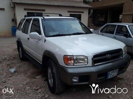Nissan in Menyeh -  2000نيسان بثفندر موديل