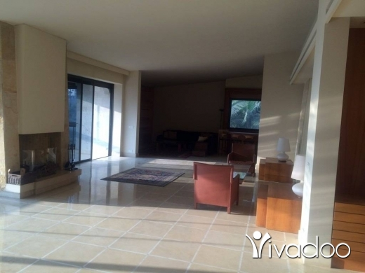 Apartments in Mtaileb - A 420 m2 apartment for sale in Mtayleb