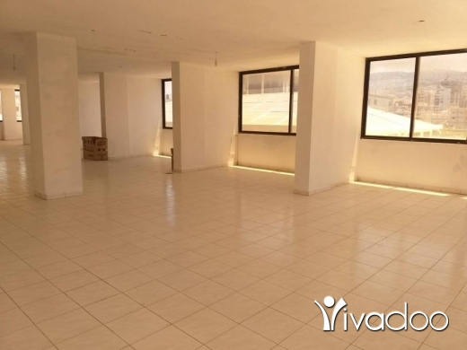 فسحة مكتب في سن الفيل -  A 280 m2 office with a terrace for rent in Sin El Fil