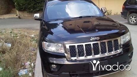 Jeep in Beirut City - Cherokee black clean carfax 2012 hemiV8
