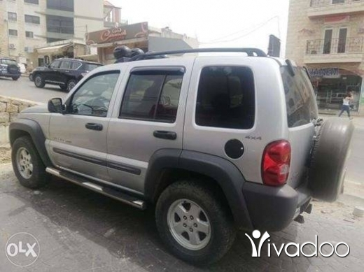 Jeep in Jdeidet el-Chouf - Jeep liberty 2003 full option