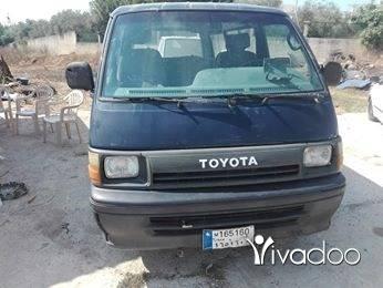 Vans in Nabatyeh - تويوتا ، موديل 90 ،