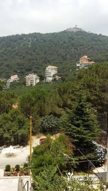 Apartments in Broumana - A 160 m2 apartment with a garden and terrace for sale in Broumana