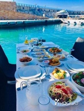 Restaurants in Port of Beirut - بلّشوا بالمازات ت نلحقكن بالسمكات