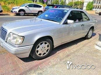 Mercedes-Benz in Beirut City - Mercedes 220 coupe