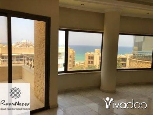 Apartments in Dawhit El Hoss - شقة للبيع في منطقة دوحة الحص الفخمة