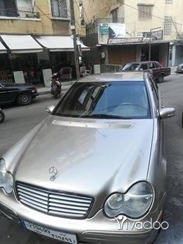 Mercedes-Benz in Beirut City - مرسيدس ٣٢٠ مفوله سياره كتير نضيفه بغدا كيان