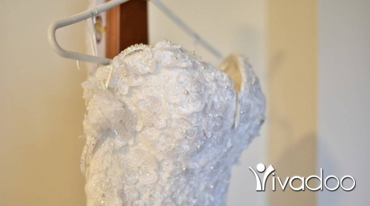 Wedding Dresses in Aley - Off white wedding dress, excellent condition with a veil.