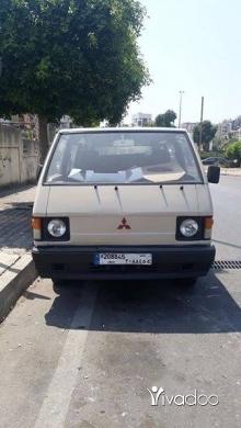 Vans in Beirut City - للبيع بيتسجل بالاسم قابل للتفواض