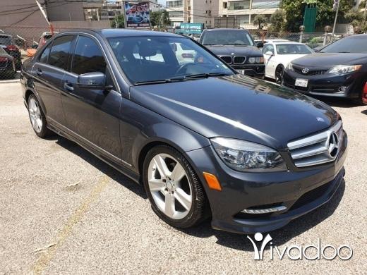 Mercedes-Benz in Beirut City - 2011 c300