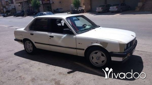 BMW in Chtaura - بيأم 318 موديل ال87 انقاض