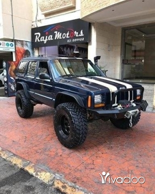Jeep in Beirut City - Jeep Cherokee 2001