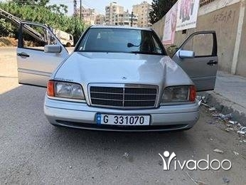 Mercedes-Benz in Tripoli - Mercedes C220